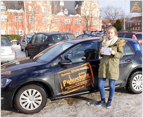 Tanja Beger hat ihren B-Führerschein seit dem 08.01.16!