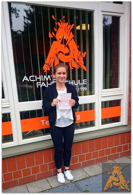 Nicole Nowicki hat ihren B-Führerschein seit dem 14.07.15!