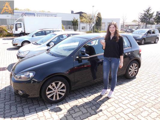 Louisa Hornung hat ihren B-Führerschein seit dem 02.05.2016!
