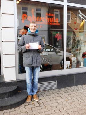 Dustin Rothe hat seinen B-Führerschein seit dem 15.11.13!