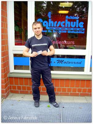 Tobias Weid hat seinen A2S-Führerschein seit dem 29.05.15!