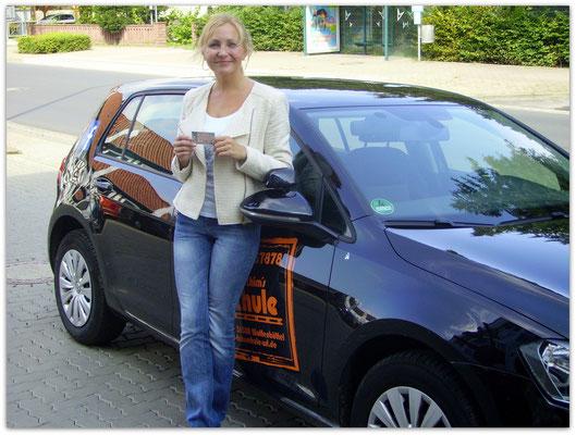 Yuliya Khekk hat ihren B-Führerschein seit dem 29.08.14!