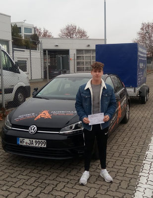 Henrik Hadam hat seinen BE Führerschein seit dem 26.11.2018