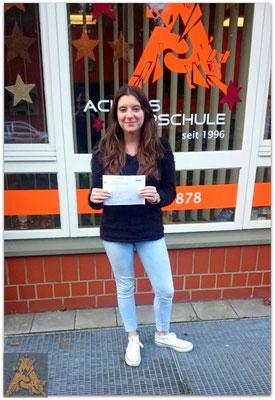 Fabienne Engel hat ihren B-Führerschein seit dem 18.12.15!