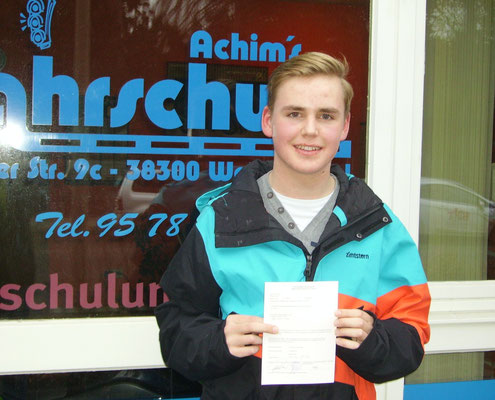 Tjard Bätge hat seinen B-Führerschein seit dem 13.02.14!