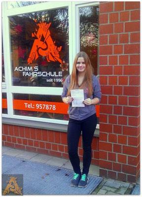 Juliane Löhr hat ihren B-Führerschein seit dem 21.12.15!