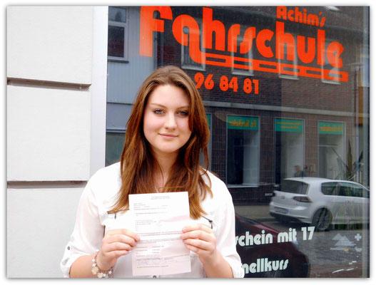 Julia Mönnig hat ihren B-Führerschein seit dem 27.05.14!