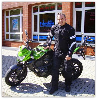 Bernd Ehli hat seinen A-Führerschein seit dem 06.08.14!