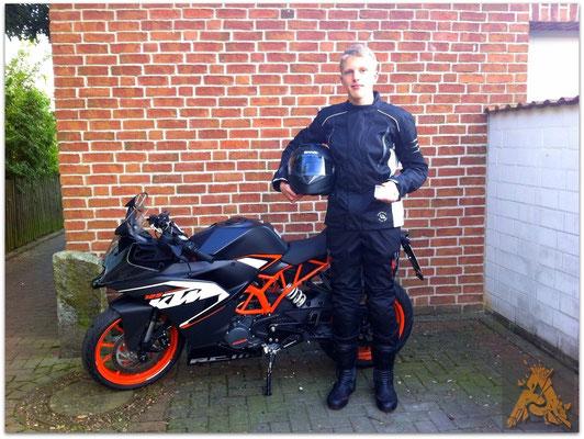 Henrik Krohn hat seinen A1-Führerschein seit dem 01.09.15!