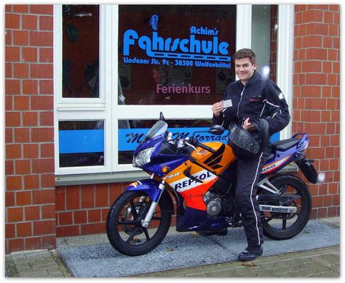 Felix Haselmeyer hat seinen A1-Führerschein seit dem 19.08.14!