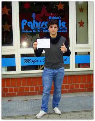 Konstantin Hecker hat seinen B-Führerschein seit dem 03.12.14!