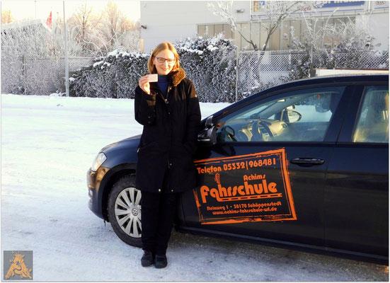 Elena Stegmaier hat ihren B-Führerschein seit dem 22.01.16!