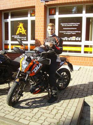 Jannes Meier hat seinen A1-Führerschein seit dem 16.08.16!