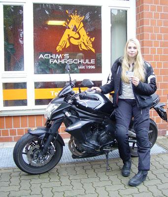 Alina Exner hat ihren A2 Führerschein seit dem 12.07.2017
