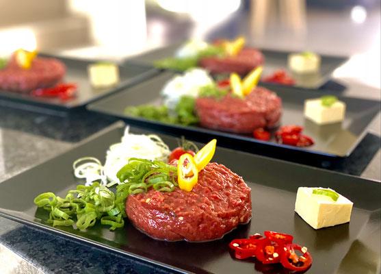 Beef Tatar Grande.... geniessen und dahin schmelzen...Dein Let's Cook Team