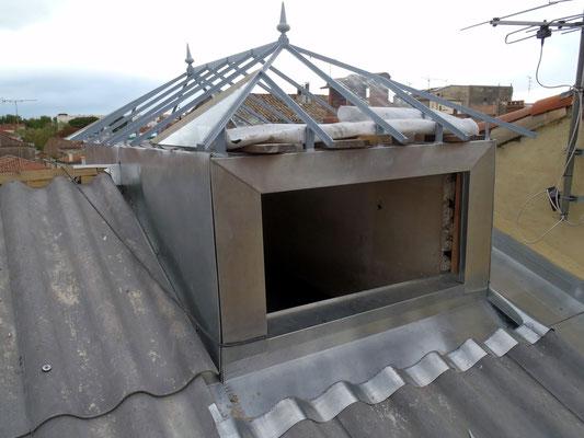 Montpellier (34), encadrement de fenêtre, zinc naturel