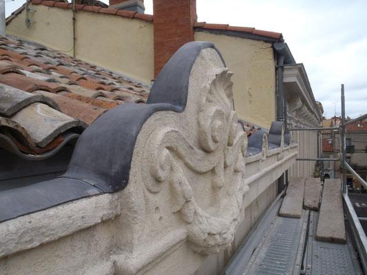 Montpellier (34), habillage de corniche en pierre