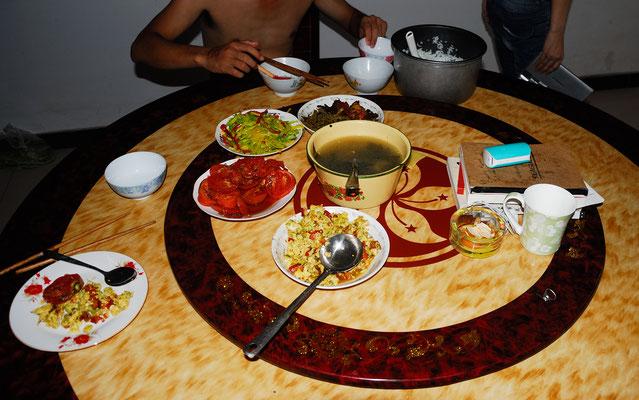 J'ai passé une semaine dans la famille de mon guide à Lu'an (ANHUI) et je me suis régalé comme dans l'ensemble partout en Chine! ©Michel AYMERICH