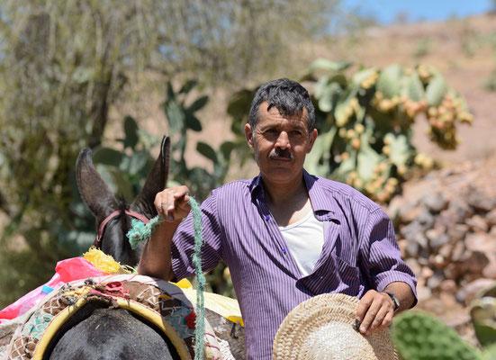 Ce paysan amazigh rencontré pendant ma recherche de cobras a tenu à ce que je le photographie... ©Michel AYMERICH