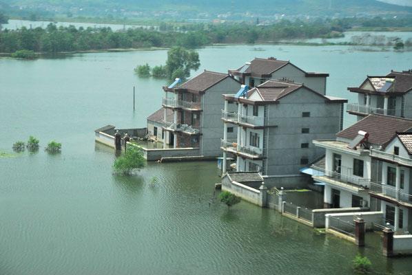 De vastes zones ont été touchées par les inondations... ©Michel AYMERICH