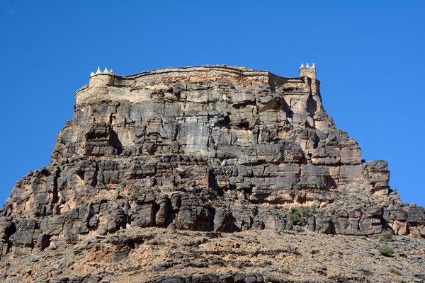 Grenier collectif fortifié (appelé agadir) dans l'oasis d'Amtoudi ©Michel AYMERICH