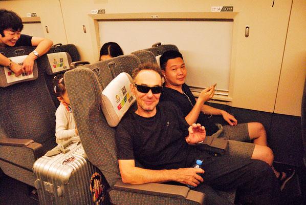 Moi-même dans le  High-speed rail (HSR)  nous conduisant de Wuyishan à Shangrao ©Michel AYMERICH