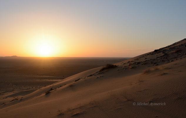 Coucher de soleil saharien © Michel Aymerich