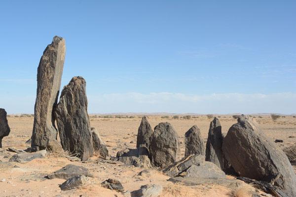 Tombeau préislamique, désert du Tiris © Michel Aymerich