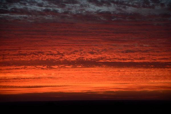 Ciel saharien après un coucher de soleil. © Michel AYMERICH