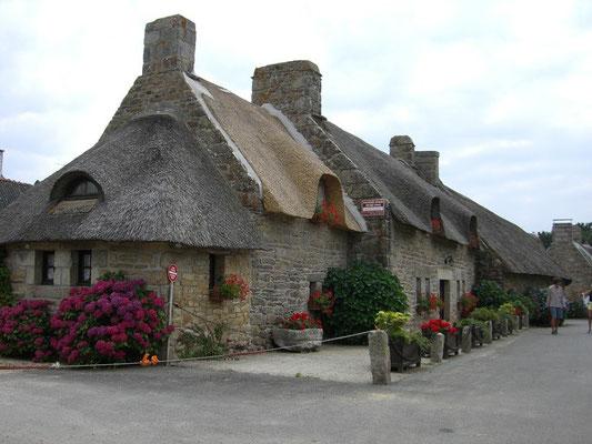 Rundreise Bretagne - Village de Kerascoet