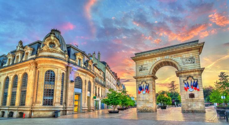 Das Guillaume-Tour am Darcy Platz in Dijon (c) SKR