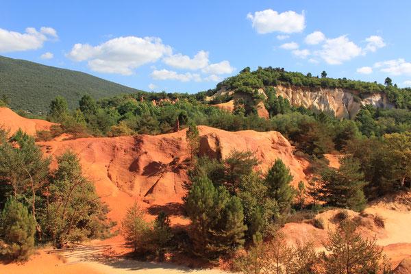 Ockerfelsen von Roussillon