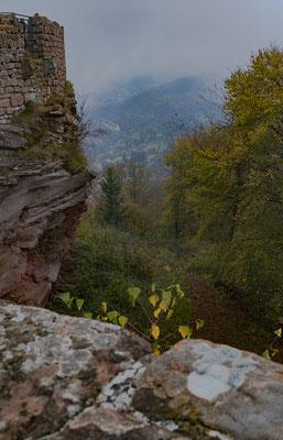 Seitenblick von der Wegelenburg in das Tal