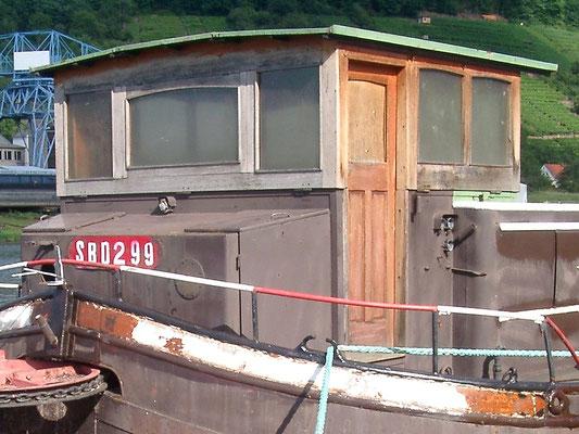 Steuerhaus von 1961 am 20.08.2004, nach der Übernahme von WILLI durch den Verein Historische Binnenschifffahrt