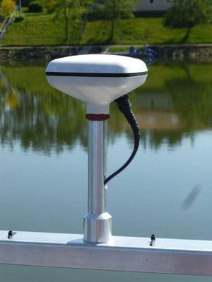 GPS-Antenne MGA-2 (für den AIS-Transponder)