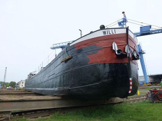 WILLI auf der Helling der Erlenbacher Schiffswerft