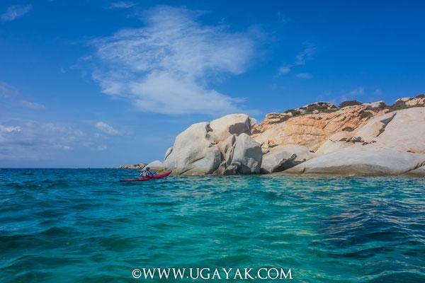 www.ugayak.com, Voyage d'aventure et kayak itinérant en Sardaigne, adventure travel and sea kayak trip in Sardinia