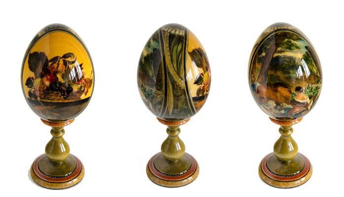 Татьяна Казакова. Яйцо декоративное. 2003. Дерево, акварель, лак. 9х6 см. Высота с подставкой - 14,5 см. Цена - 10000 руб.