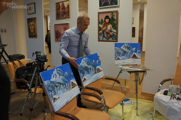 Две картины написаны дома для тренировки, одна - на мастер-классе