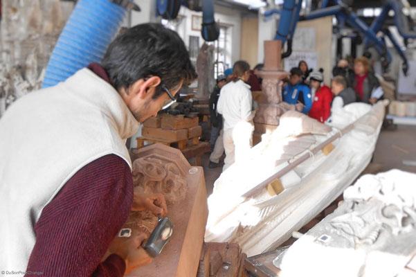 Voir les sculpteurs à l'oeuvre, aux ateliers de la Fondation