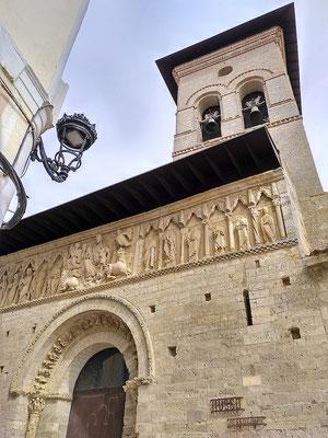 Fresken an der Santiagokirche