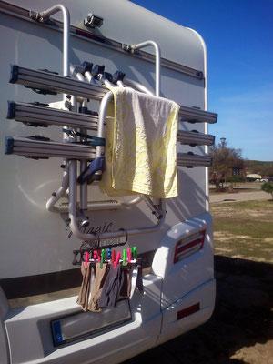 ... diente der Fahrradträger am Heck oft zum Wäsche trocknen