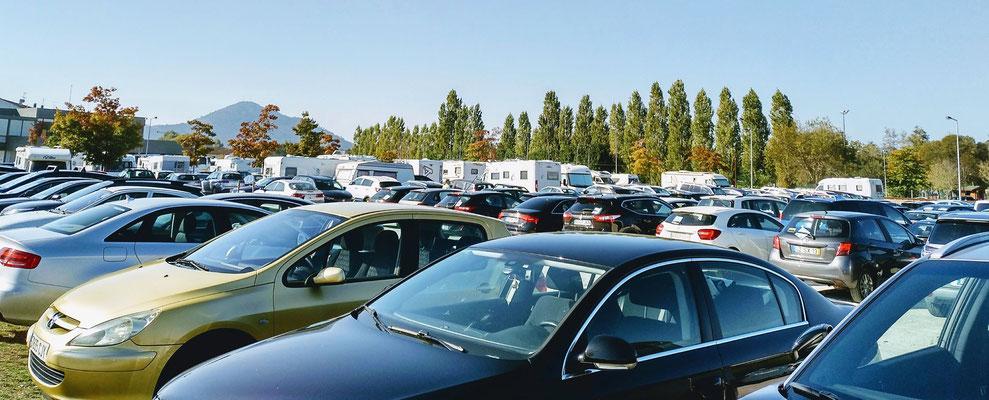 Parkplatz am Samstag