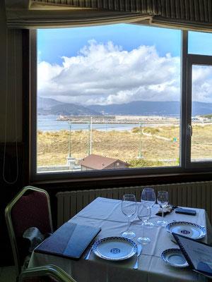 ... dafür essen wir mit tollem Blick in einem anderen Restaurant ...