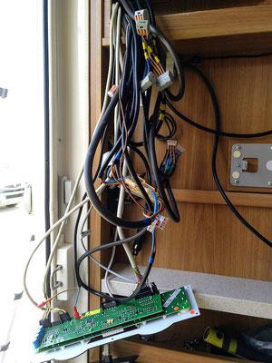 eines dieser Kabel soll ...
