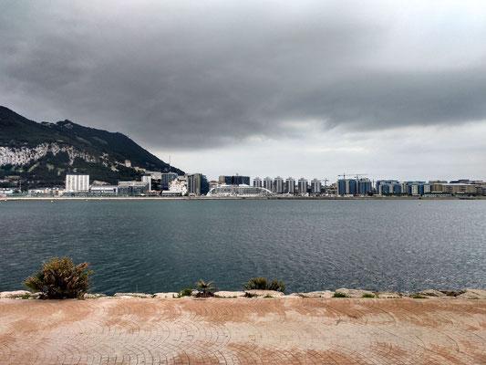 Blick hinüber nach Gibraltar