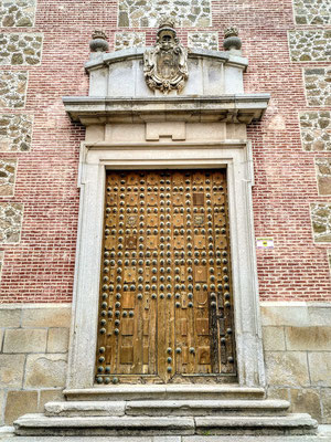 Tür zu einer Kirche oder einem Kloster, ich weiß es nicht mehr
