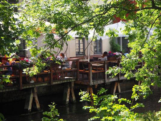 Restaurants und Cafés auf Stelzen