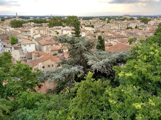 Aussicht aus dem Palastgarten, der auf einem hohen Felsen angelegt wurde