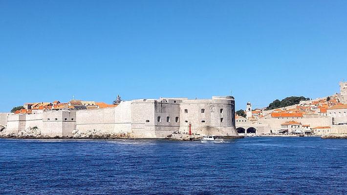 die alten Festungsanlagen ziehen sich um die gesamte Altstadt